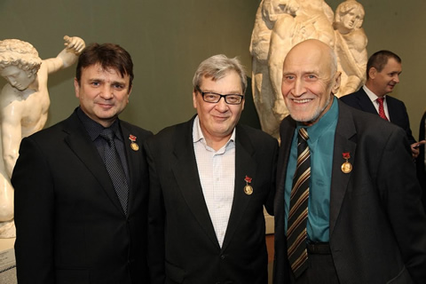 the-pushkin-museum-of-fine-awarded-lev-nikolayev-gold-medals-1.jpg